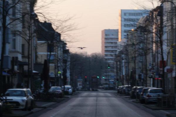 Köln-Ehrenfeld            morgens um 6.